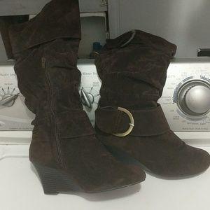 Rue 21 heeled boots